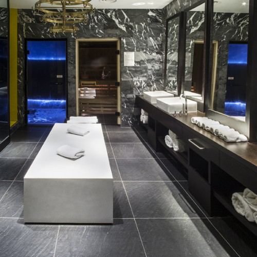 1st Floor Changing Room and Sauna -